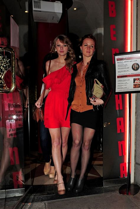 More Pics of Taylor Swift Pumps (1 of 6) - Taylor Swift