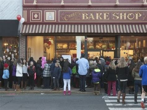 My visit to Carlo's Bakery in hoboken New Jersey - YouTube
